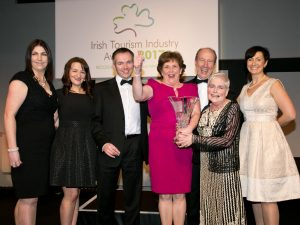 Westport House team members accept award for Best Leisure Innovator from Minister Shane Ross and Daragh Hanratty from Cork Airport. Left to right: Ann Marie Kitterick, Margaret Sweeney, Daragh Hanrattty, Eileen Fahy, Minister Shane Ross, Nora Heraty and Biddy Hughes.  Photo courtesy of  Paul Sherwood.